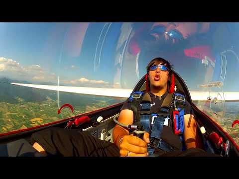 能夠在天空中這樣像瘋子一樣開飛機的人,不到5個!!