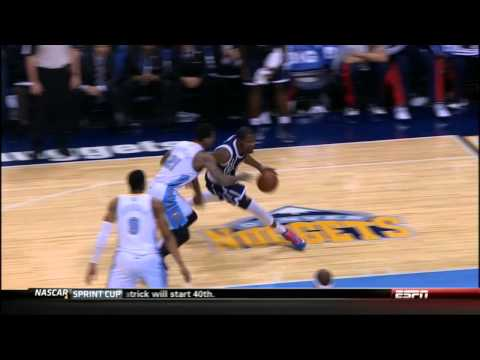 Durant does the 'Dr. J' reverse layup in Denver!