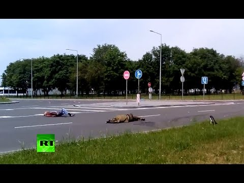 Ukraine's 'Road of Death': GRAPHIC aftermath of Donetsk airport approach gunfight
