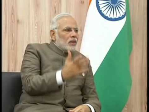 PM meets Putin, wants to broaden strategic partnership (Hindi)