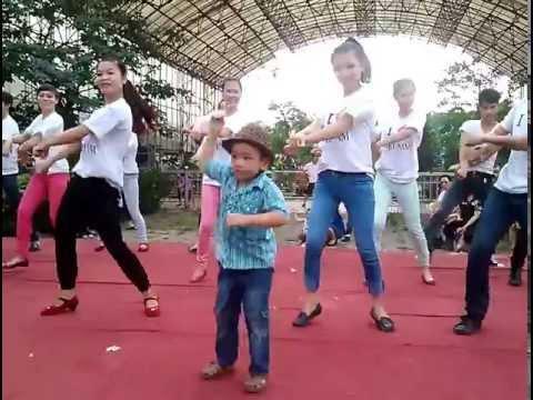 Hotboy 4 tuổi nhảy Gangnam style ở Thiên Đường Bảo Sơn