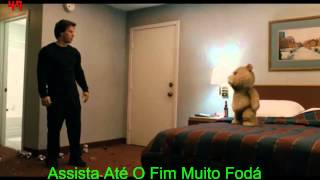 Briga = Ted X Jonny  Ursinho Ted- O Filme