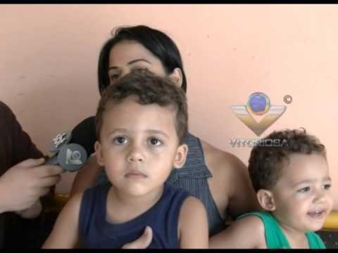 Mãe pede ajuda para conseguir colocar filhos na escola