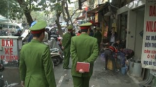 Tin Tức 24h Mới Nhất Hôm Nay: Vỉa hè ở Hà Nội bị tái chiếm