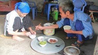 Rơi nước mắt với bữa cơm 5 nghìn đồng của đôi vợ chồng giữa Hà Nội phồn hoa