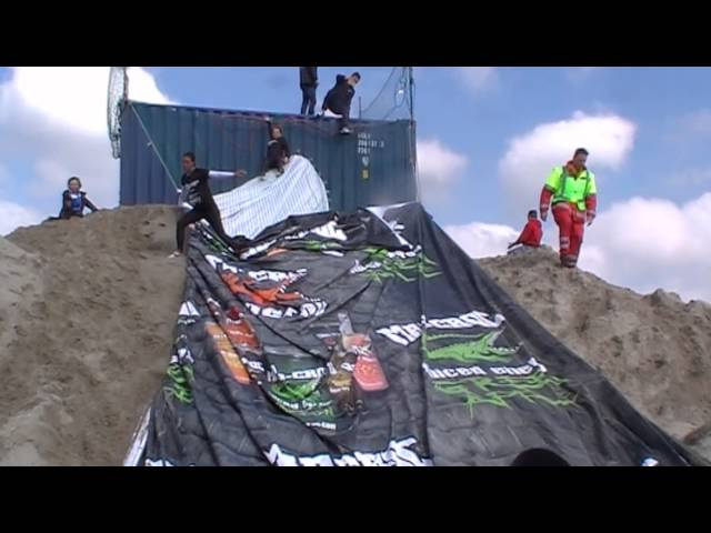 Finish Dutch Beach Masters Obstacle Run Deel 2 12.52 t/m 13.20 uur 19-04-2014 Ijmuiden aan Zee