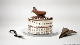 ケーキに模様をつけて回転させるとあら不思議なアニメーションを演出