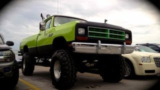 1986 Dodge Power Ram 4X4 Start Up & Rev ( Jacked Up
