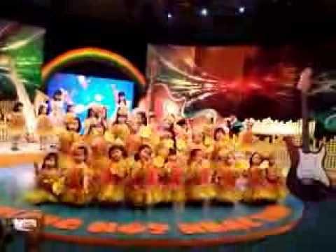 Huyền Anh quay bài LÀ CON GÁI chương trình NHỮNG NỐT NHẠC XINH kênh VTV6