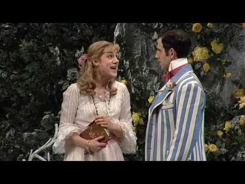 BWW TV: Broadway Beat Goes Inside THE IMPORTANCE OF BEING EARNEST Opening Night