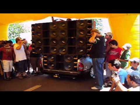 09/02/2010 - Cajobi - Racha de Paredão de Som - Record Brasileiro e Mundial é da Oversound