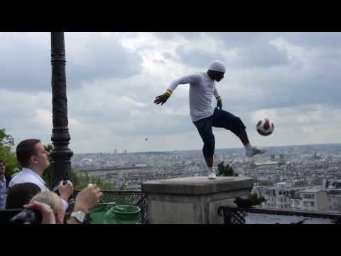 Màn Tâng Bóng Đẳng Cấp Tại Đồi Montmartre Paris