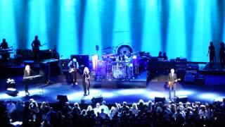 Fleetwood Mac - (concert intro) The Chain - Auburn Hills, MI - 10.22.14