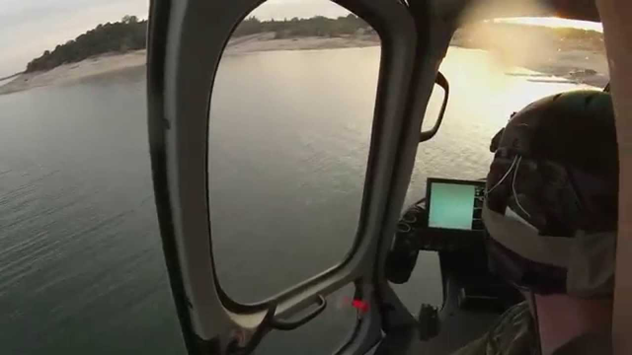 Un paramoteur chute dans l'eau quand son moteur lâche