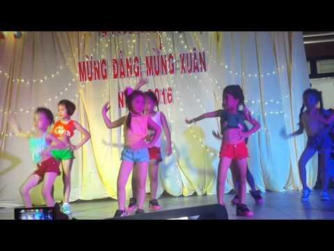 Nhảy con bướm xuân của học sinh lớp 1 bé Gia Nghi