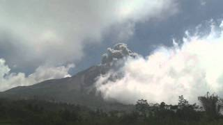 Eruptions at Merapi Volcano 29th October 2010 Raw Footage Breaking News