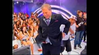 Calça de Silvio Santos caindo na TV