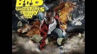 B.o.B Airplanes Part. 2 (Ft. Eminem, Hayley Williams