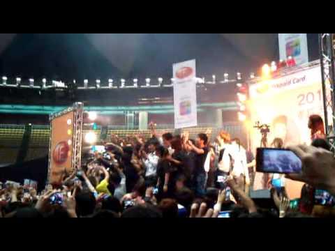 ca sỹ LÂM CHẤN  KHANG  biểu diễn tại TAI WAN