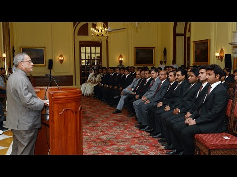 Probationers of Indian Railway Service of Engineers calls-on the President - 22-04-14