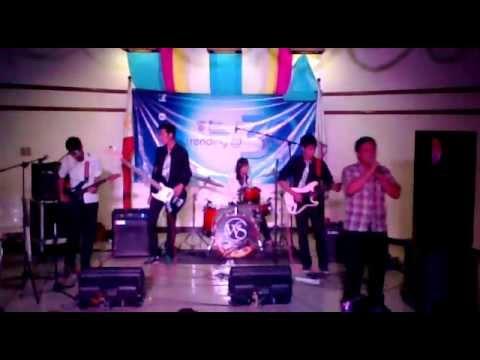 Mfi battle of the bands 2012 whiteboard halik