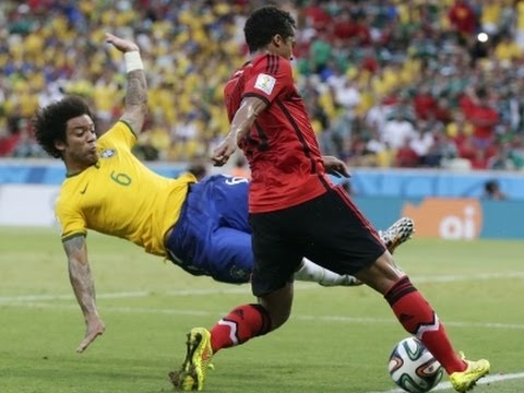 Mexico Holds Off Brazil With 0-0 Draw image