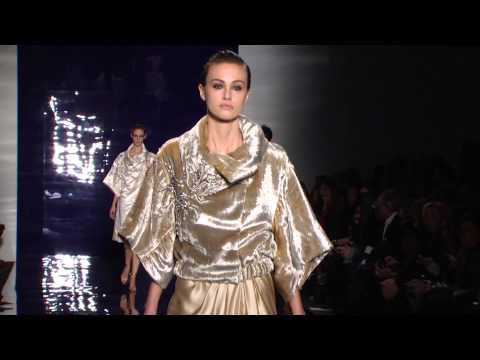 عرض أزياء المصممة ريم عكرا في أسبوع نيويورك للموضة خريف/ شتاء 2014-2015