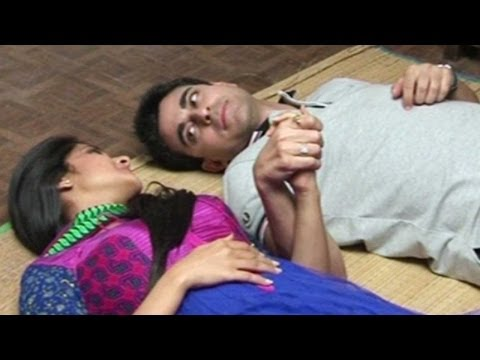 Saras and Kumud share some romantic moments in their new home