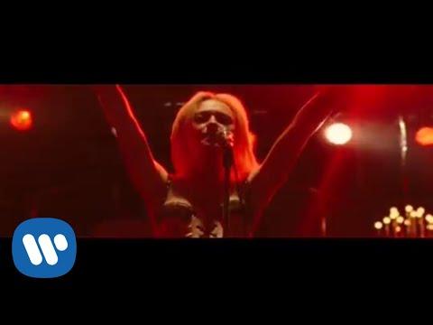 Dakota Fanning & Kristen Stewart - Cherry Bomb (Video)
