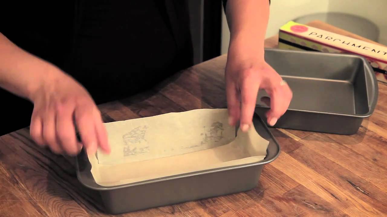 Lining Parchment Paper On Cake Pan