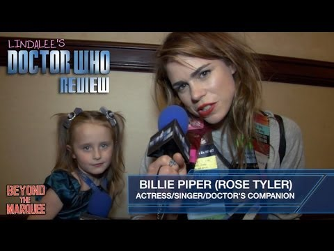 Doctor Who's Rose Tyler (Billie Piper) Talks & Sings with Lindalee