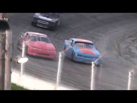 Slinger Sportsman Heat and Feature Highlight May 19 2013