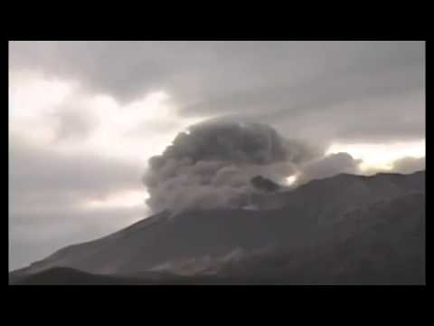 Japan Volcano Eruption (18 08 2013)   Sakurajima Volcano Erupts Blasting Ash 5 km Into Air