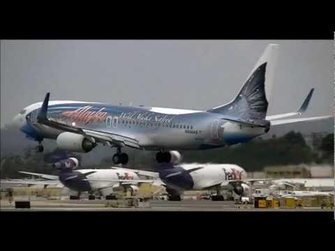 Alaska Airlines 'Salmon Thirty Salmon' Boeing 737-800 Landing San Diego