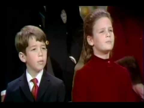 Bing crosby amp family sing do you hear what i hear youtube