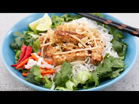 Lemongrass Tofu and Rice Noodles (Bun Dau Hu Xao)