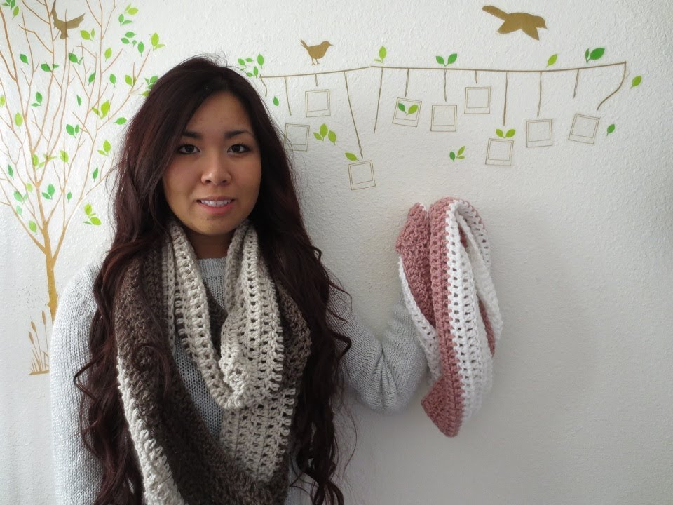 Youtube Crocheting A Scarf : DIY: Easy 2 Color Circle Scarf Crochet Tutorial - YouTube
