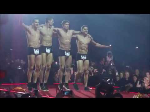 Aktualov dan Žena 2017 - Total Knockout erotic show