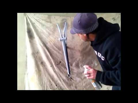 how to spray paint a bike frame youtube. Black Bedroom Furniture Sets. Home Design Ideas