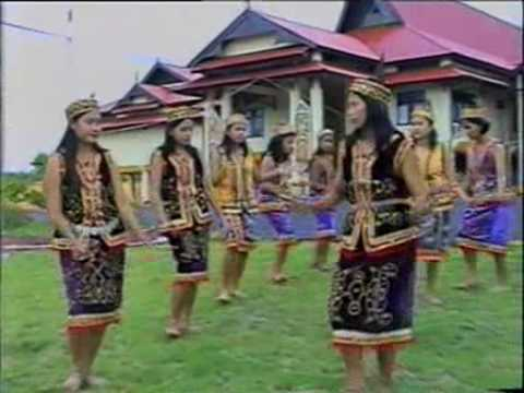 Dayak Kanayatn Traditional Dance