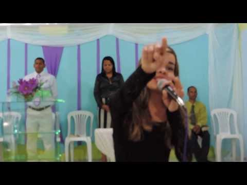 Karynne Gomes | Lá Vem Mais Dois - Amanda Ferrari