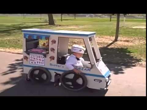 videos de caidas chistosas Niño en silla de ruedas tiene el mejor disfraz graciosas chistosas risa