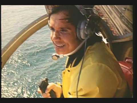 Roberto Carlos sobrevoa o Rio de helicóptero em ritmo de aventura