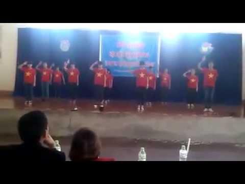a2k42 CVA nhảy flash mob Việt NAm ơi + yeah 3x