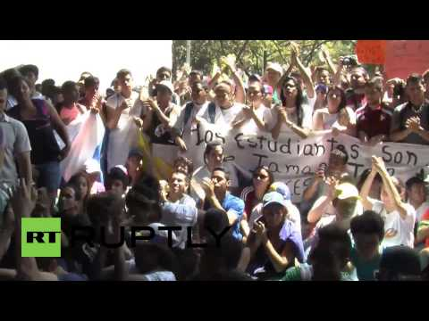 Venezuela: Thousands protest against government