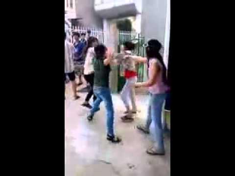 ymoi.vn - Nữ sinh phú thọ đánh nhau dùng kéo đâm bạn