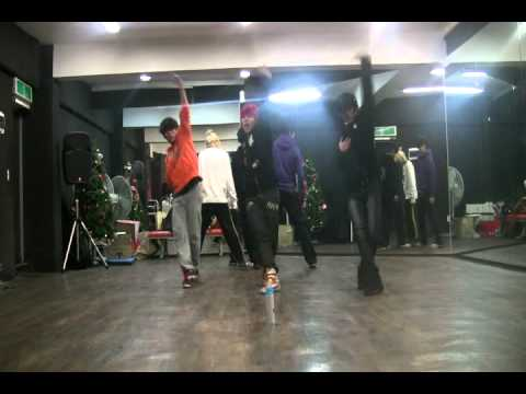 Infinite BTD dance performance!!(scolpion dance)