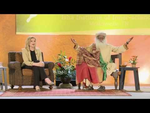 Can women leaders make the world more peaceful? - Arianna Huffington and Sadhguru