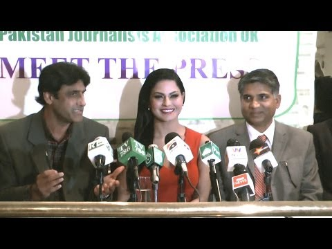 London Veena Malik face the Pakistani Media