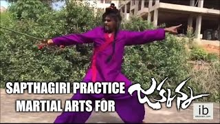 Sapthagiri practice marshal arts for Jakkanna - Sunil, Mannara Chopra
